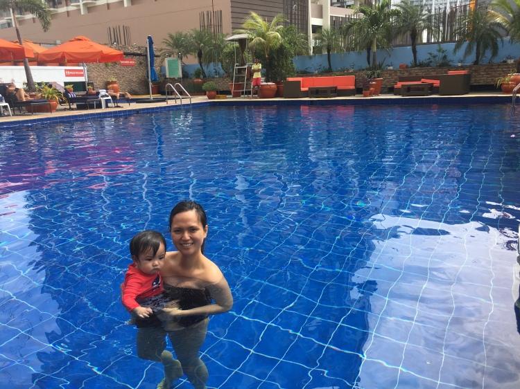 Hotel Jen outdoor pool