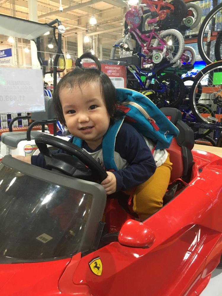 Baby riding car
